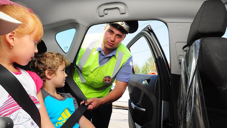 В 2017 году изменятся правила перевозки детей в машине